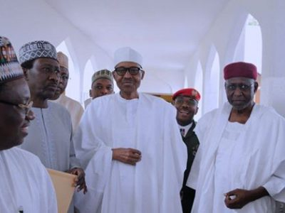 Buhari Shows Up at Friday Prayer